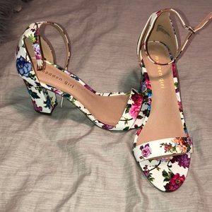 Steven Madden Floral Chunky Heel — Never Worn